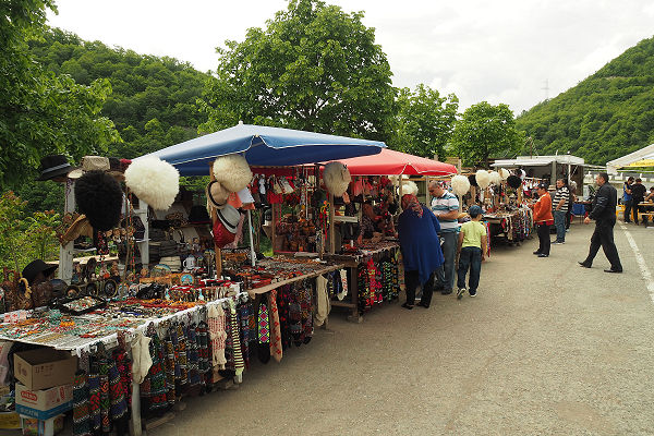 Tourist stalls - Ananuri