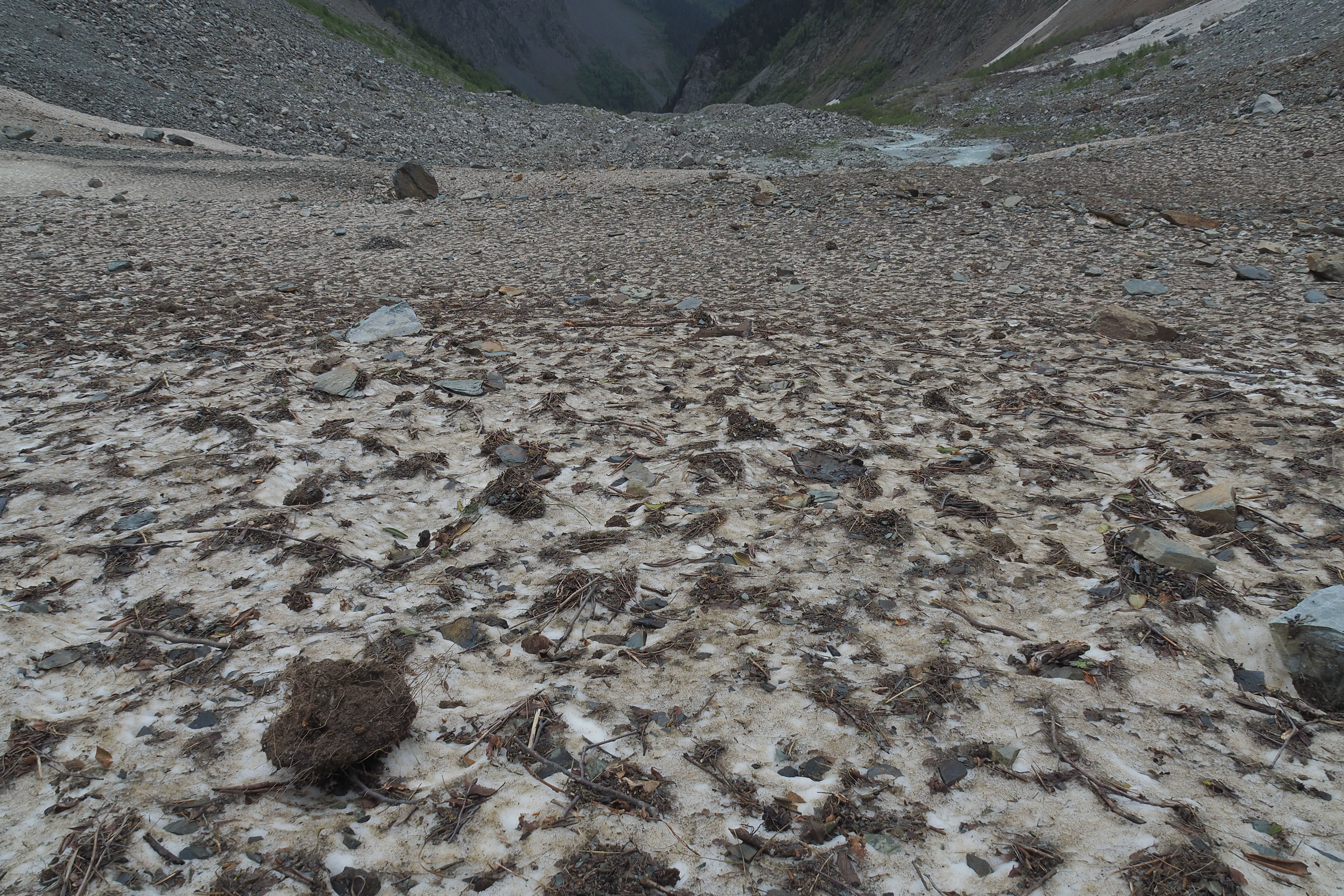 the tough of the glacier with a lot of debries